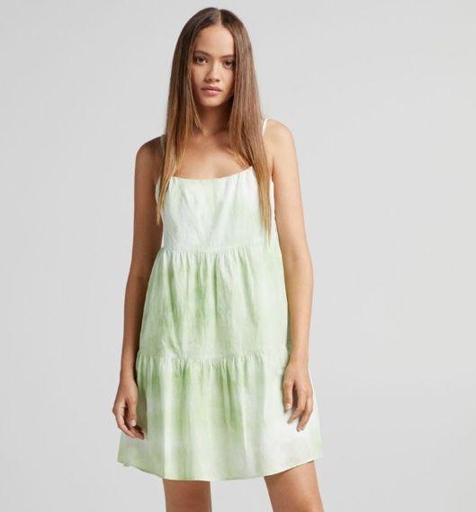 Vestidos por 5,99 euros en las rebajas de verano de Bershka